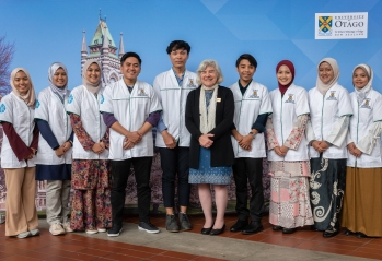 IMU Exchange Students & Sue Heydon